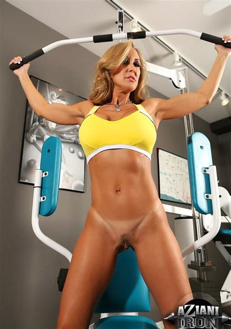 milf workout jpg 550x782
